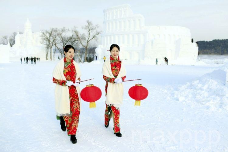 Joyeux Noël! Neige et glace, des sculptures magnifiques en Chine…