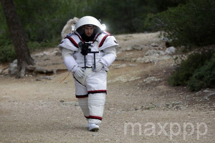 Marseille : un astronaute dans les Calanques